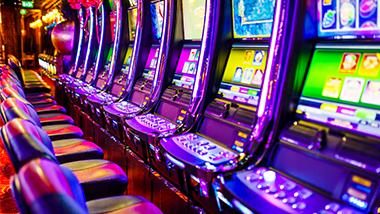Casino: Slots, Poker, & Table Games | Hollywood Casino Aurora